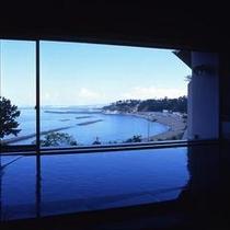 女性大浴場『海光』/日本海を一望できる展望大浴場