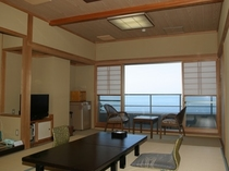 汐鳴/海側10帖タイプの和室です