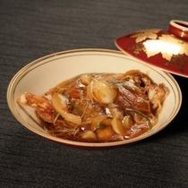 *渡り蟹の中華風餡かけ/当館の人気料理!渡り蟹の中華風餡かけです。