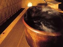 ▲ 温泉露天風呂付客室