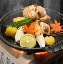 秋の味覚の王様「松茸」の陶板料理