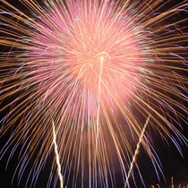 毎日諏訪湖花火大会!2017年は7/23~8/27。
