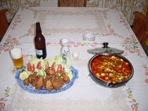 鳥のから揚げとマーボー豆腐。*工事等ビジネス滞在夕食対応可!