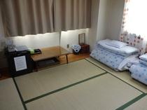 和室6畳315号室バストイレ共同利用≪ホテル正面のお部屋≫仲良しグループでどうぞ!!