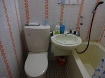 2Fバストイレ付のユニットバストイレ