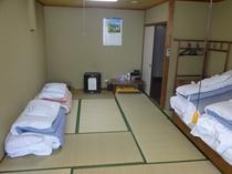 3Fひろびろ和室の12畳。4名様〜6名様宿泊可バストイレは3F大浴場または1F家族風呂利用