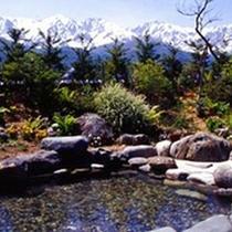 *露天風呂/白馬の山々を眺めながら、ゆったり温泉時間。