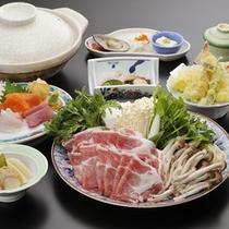 *ご夕食(料理一例)/あったか「信州味噌鍋会席」身体がぽかぽかと温まってきます。