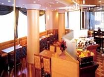 バイキングレストラン 「パリエール」 朝・昼・夜と営業しており、豊富な品揃えでお待ちしております。