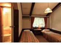 ツインベッドルーム【1〜3名様】バストイレ付