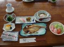1. 和食をメインとした朝食の一例