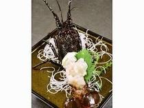 21. 伊勢えびはお好みに調理できます!お造り、鬼殻焼き、ボイルから選んでね