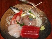 3. 鮮度抜群の旬魚のお刺身を頂けます