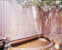 【風呂】全天候型露天風風呂でのんびり疲れを癒して