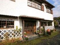 【外観】伊豆ならではの歴史建造なまこ壁をあしらった伊豆のお宿「紺屋荘」