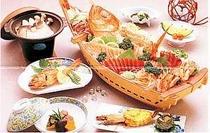 11. 地魚舟盛りを通常料理にセットしたお得なコース