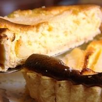 デザート_手作りのチーズケーキやプリンも好評です。
