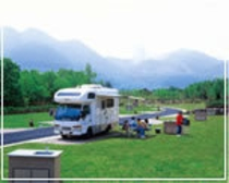 オートキャンプサイトは全40サイト。ミニキッチン・電源がついているので、気軽にキャンプを楽しめます