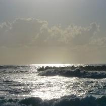 光る日本海