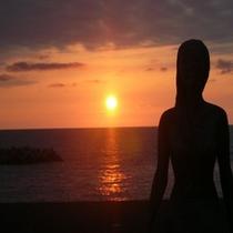 人魚像と夕日