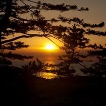 宿から眺める夕日
