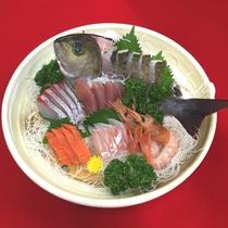 *【限定特典 姿造りのお刺身】新鮮なお魚はその日の仕入れによって変わります。