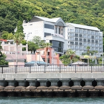 ホテル外観(海から)