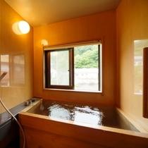 特別室内檜風呂