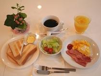 洋朝食の一例です。600円(税込み)