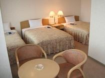 ツインルームにエキストラベットを追加☆3名様利用可の客室です。