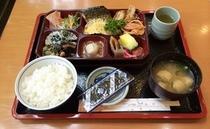 ご朝食例【和食】です♪
