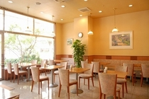 cafe ANISEです♪ホテル1階にございます☆ご朝食のご利用時間はAM7:00〜11:00です♪