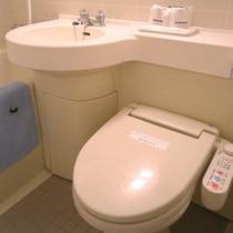 シャワートイレは全室に完備しています。