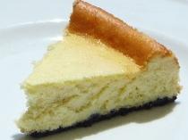 ベイクドチーズケーキです。