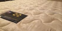 Sealy製ベッド