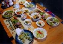 季節感と郷土食を取り入れた食事例