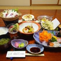 *【夕食例】旬の味覚を楽しめる自慢の和会席。