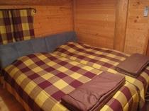 寝室②・シングルベット2組
