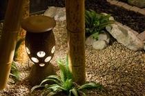 中庭(灯篭)