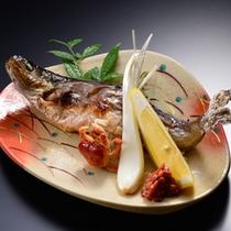 鮎の塩焼き(別注料理1000円)夏〜秋の限定メニューです