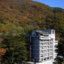 外観 東山温泉の高台にございます