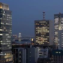 お台場までは汐留駅からゆりかもめに乗って・・・