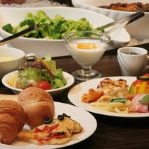 朝は洋・和食のブッフェ形式!一日の始まりをやさしく彩ります!