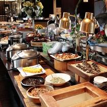 ご朝食には、健康に気を遣う方にも嬉しい和食もございます