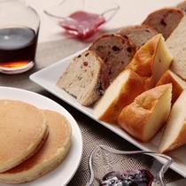 自家製パンは種類も豊富♪