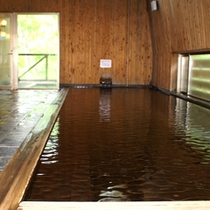 ●内風呂(木の風呂)