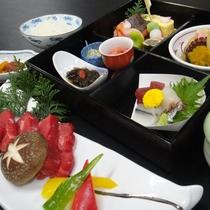 【夕食一例】地産地消にこだわった季節の御膳をご用意いたします