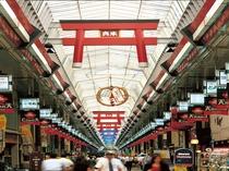 ご近所は日本一長~い天神橋筋商店街。ローカルな雰囲気たっぷりです。