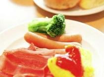◆〜朝食(洋食イメージ)〜◆日替わりで様々なメニューが楽しめます