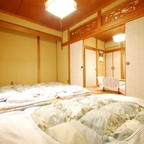 【客室一例(和室4.5+10畳)】